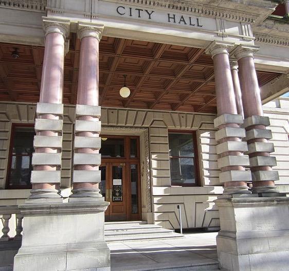 City_Hall,_Portland,_Oregon_in_2012