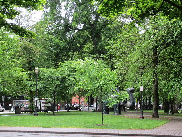 640px-North_Park_Blocks,_Portland,_Oregon_2012